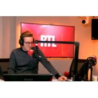 Logo of the podcast Humanitaire : la baisse des dons inquiète les associations
