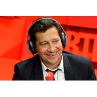 """Logo of the podcast Laurent Gerra imitant Jack Lang : """"Cet été, j'organise le Tour de Saint-Dié"""""""