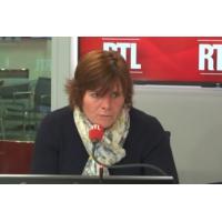"""Logo of the podcast """"Foulards rouges"""" : """"On a tous les bords politiques dans notre mouvement"""", affirme Corinne Chabert"""