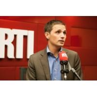 """Logo du podcast Karim Rissouli : Dans """"L'émission politique"""", je serai un trait d'union entre les Français et l'inv…"""