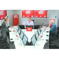 """Logo du podcast """"Le clash c'est quand même du débat public"""", dit Guillaume Roquette"""