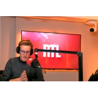"""Logo of the podcast Midterms 2018 : """"Trump, par son implication, a réussi a renverser la vapeur"""" pour Philippe Corbé"""