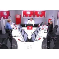 """Logo of the podcast Grand débat : le président doit """"mettre des choses fortes sur la table"""" dit Alba Ventura"""