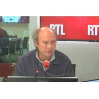 """Logo of the podcast Maternelle obligatoire à 3 ans : """"Il faut laisser le choix aux parents"""", tranche un pédopsychiatre"""