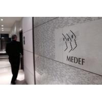 """Logo du podcast Medef : """"Le prochain patron des patrons devra exister en Macronie"""", dit Martial You"""