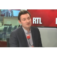 """Logo of the podcast Européennes : """"Macron doit trouver une dynamique de campagne"""", selon Olivier Bost"""