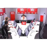 Logo of the podcast Jean-Pierre Mocky : Lavanant, Cosma, Magimel... Les stars réunies à ses obsèques