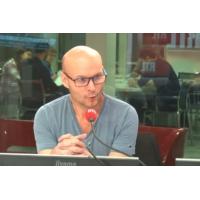 """Logo of the podcast Tony Chapron : 10 mois après son tacle, l'arbitre parle d'un """"réflexe stupide"""""""