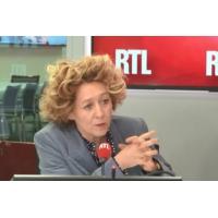 "Logo of the podcast ""Gilets jaunes"" : ""C'est quasiment de la guérilla"", selon Alba Ventura"