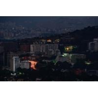 Logo du podcast Venezuela : paralysé par une panne d'électricité, le pays sombre dans le chaos