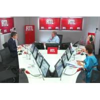 """Logo du podcast Prélèvement à la source : l'impôt """"s'adapte à la vie des personnes"""", dit Darmanin sur RTL"""