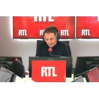 """Logo of the podcast Hausse du prix des carburants : Macron fait """"marcher la pompe à fric"""", selon Jacob"""