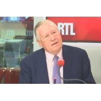 """Logo of the podcast Entre Emmanuel Macron et les Français, """"un lien s'est rompu"""", analyse Guillaume Roquette"""