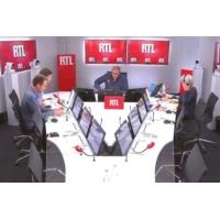 """Logo du podcast Nicolas Sarkozy et François Hollande, """"des acteurs de one man show"""" pour Olivier Bost"""