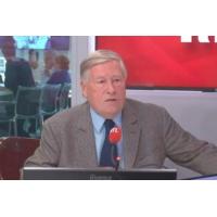 """Logo du podcast Élections européennes : """"La campagne la plus expédiée de toute"""", regrette Alain Duhamel"""