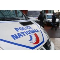 Logo of the podcast Paris : un SDF repart de garde à vue avec le laissez-passer militaire d'un colonel