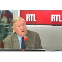 """Logo du podcast Jean-Luc Mélenchon, """"l'épouvantail idéal"""" de Macron, juge Alain Duhamel"""