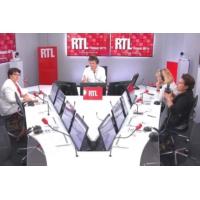 """Logo du podcast Poulaillers incendiés dans l'Orne : """"C'est un acte terroriste"""", dit la présidente de la FNSEA"""