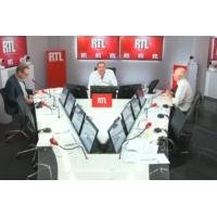 """Logo of the podcast Emmanuel Macron est """"victime du dégagisme"""", selon Guillaume Roquette"""