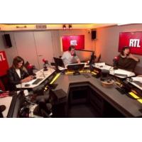 Logo du podcast Pourquoi Emmanuel Macron chouchoute les parlementaires de la majorité