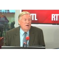 """Logo du podcast Référendum en Nouvelle-Calédonie : """"Un bel exemple démocratique"""", juge Alain Duhamel"""