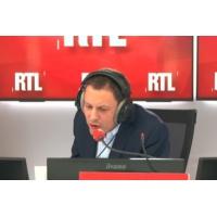 """Logo of the podcast """"Gilets jaunes"""" : """"C'est trop"""", Pierre Perret dénonce """"l'injustice sociale"""" sur RTL"""