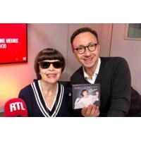 """Logo of the podcast Mireille Mathieu fait son """"Cinéma"""""""