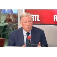 """Logo of the podcast """"Les Algériens ont encore moins confiance qu'avant en Bouteflika"""", dit Duhamel"""