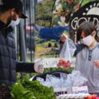 Logo du podcast Farmers Scramble to Stay Profitable Amid Disruptions to the Food Industry 2020-04-14