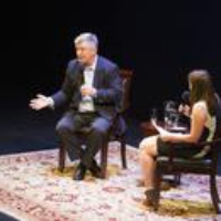 Logo of the podcast Alec Baldwin in the Hot Seat