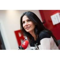 """Logo of the podcast """"Pour faire le papa, je me suis inspiré de ma mère"""", rigole Arnaud Ducret"""