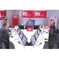 """Logo du podcast Emmanuel Macron utilise parfois """"le management par la terreur"""" dit Olivier Bost"""