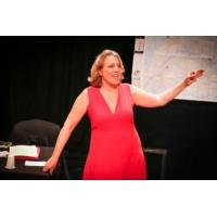 Logo du podcast Danielle Simonnet emprunte la conférence gesticulée pour renouveler la parole politique