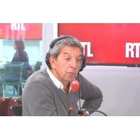 Logo of the podcast Michel Cymes vous alerte sur les risques des cabines de bronzage