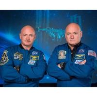 Logo du podcast Nasa : après un an dans l'espace, le corps de l'astronaute Scott Kelly s'est modifié