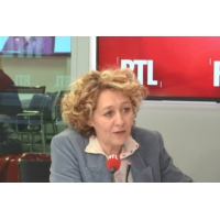"Logo of the podcast Grand débat national : ""Emmanuel Macron se surexpose"", estime Alba Ventura"