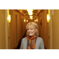 Logo du podcast British singer Petula Clark hits the road — maybe to a 'Downtown' near you
