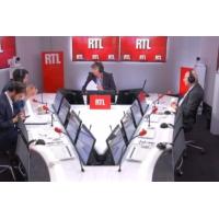 """Logo du podcast Les actualités de 22h - Emmanuel Macron """"regrette"""" d'avoir donné """"le sentiment d'être dur"""""""