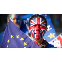 Logo of the podcast Brexit tuottaa draamaa ja farssia