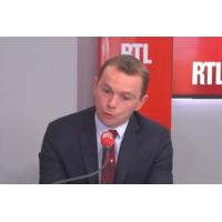 """Logo of the podcast Primes sur les CDD courts : """"Autour de 200.000 personnes"""" concernées, dit Olivier Dussopt"""