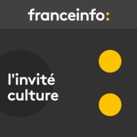 "Logo of the podcast L'invité culture. Costa Gavras : ""Je ne regrette aucun de mes films"""
