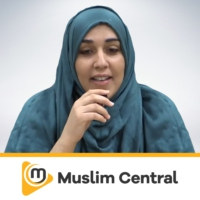 Logo of the podcast Yasmin Mogahed