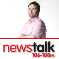Logo of the podcast Cork hot on Dundalk's heels, Stephen Elliott in studio