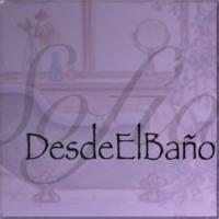 "Logo du podcast Podcast ""Desde el baño"""