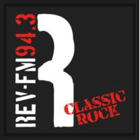 Logo de la radio KRVL - Revolution FM