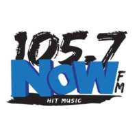 Logo de la radio 105.7 NOW-FM