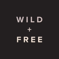 Logo du podcast Episode 24: Wild + Free Mamas!