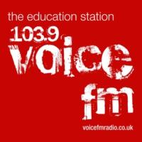 Logo de la radio 103.9 Voice FM