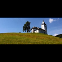 Kirche am Sonntagmorgen
