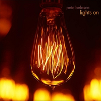 Couverture du titre Lights On